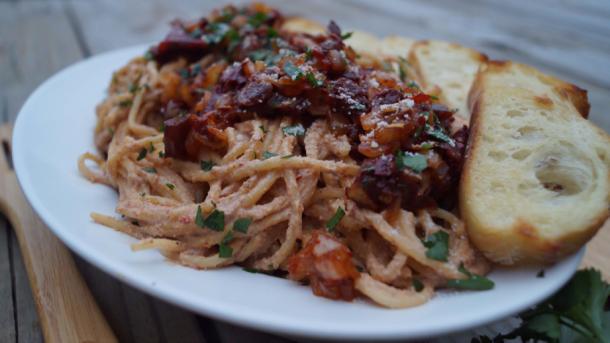 espagueti en crema de chipotle